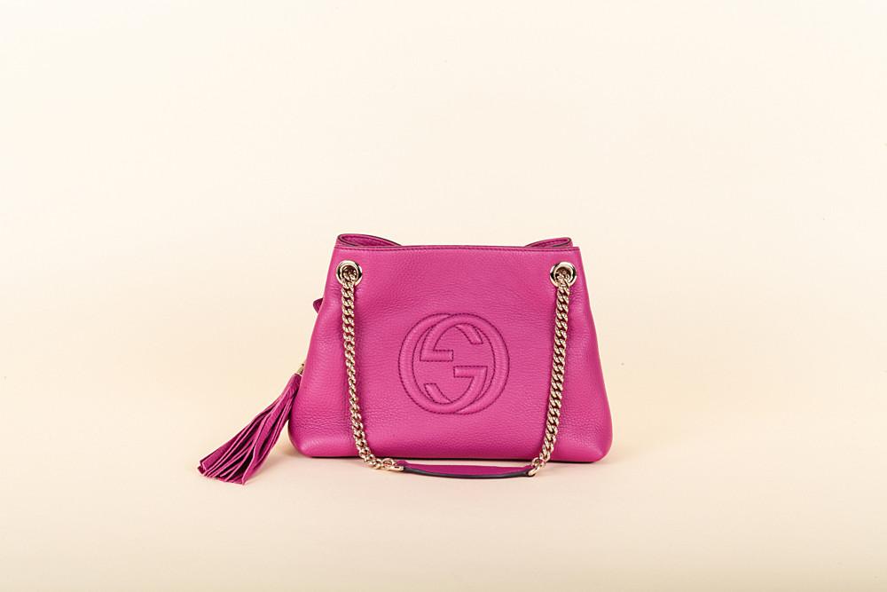dd4f95434b2 Gucci Small Soho Chain Shoulder Bag