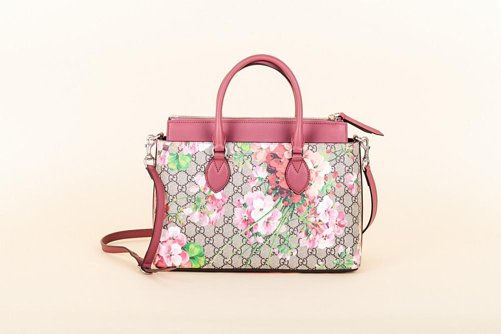 a61a4ba197f0 Gucci GG Supreme Monogram Small Blooms Tote | Vivrelle